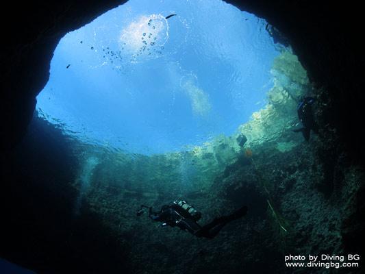Great Blue Hole, interior